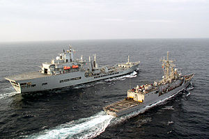 Wave-class tanker - Image: Wave Ruler refuels Robert G Bradley