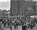 Westfriese Marktdag voor de vijfde maal in Schagen overzicht van de boerendansen, Bestanddeelnr 910-4882.jpg