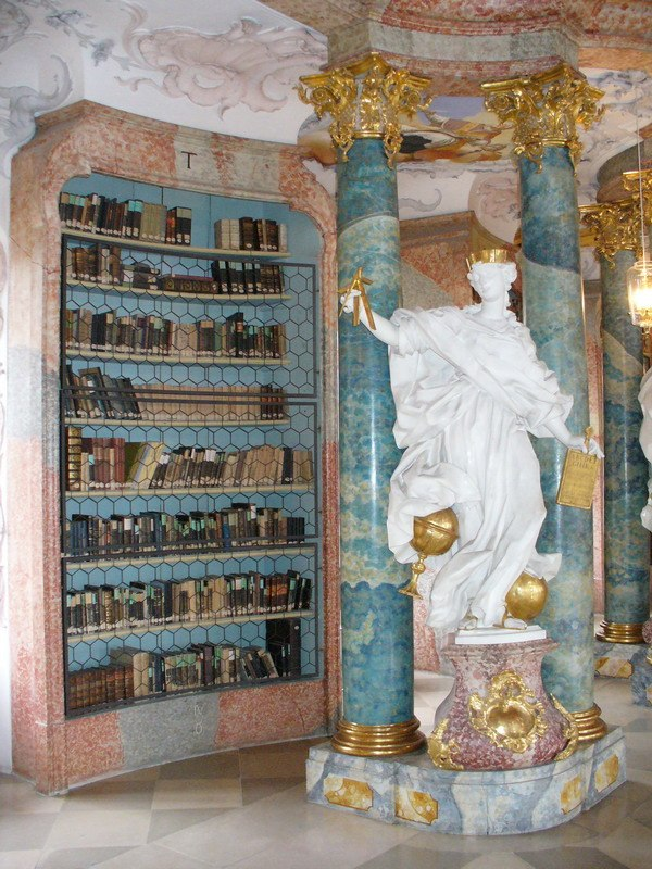 Wiblingen-bibliothek-books