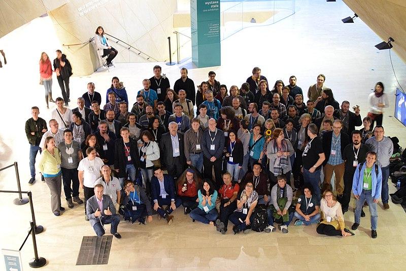 Учасники CEE Meeting 2017 у Варшаві. Автор фото Lantuszka, вільна ліцензія CC BY-SA 3.0