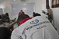 Wikimédien du Bénin vu de dos 2.jpg