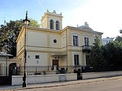 Willa Zyberk-Platerów (Warszawa, al. Róż 3).jpg