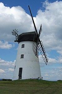 Windmill, Little Marton, Blackpool - 1 - geograph.org.uk - 1848495.jpg