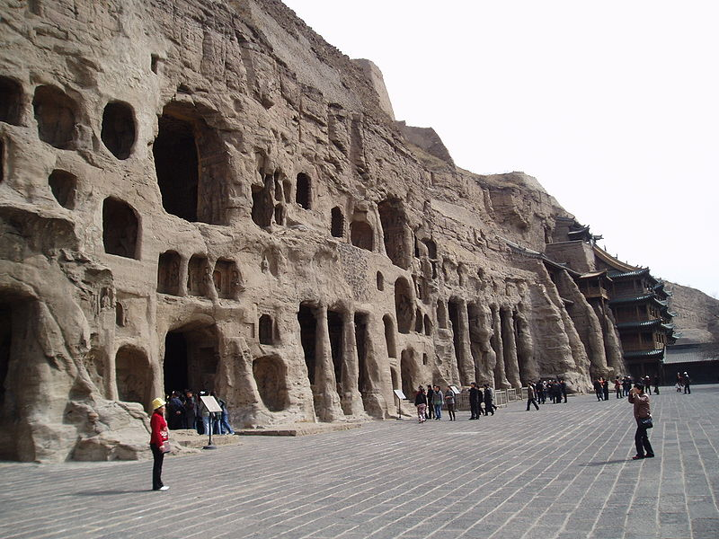 800px-yungang_grottoes_04