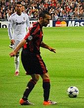Zambrotta al Milan nel 2010, durante la sfida di Champions League sul campo del Real Madrid.