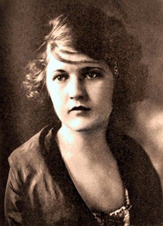 Zelda Fitzgerald - Zelda Sayre, 1917