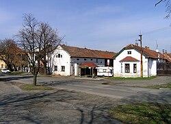 Zlončice, old farm.jpg