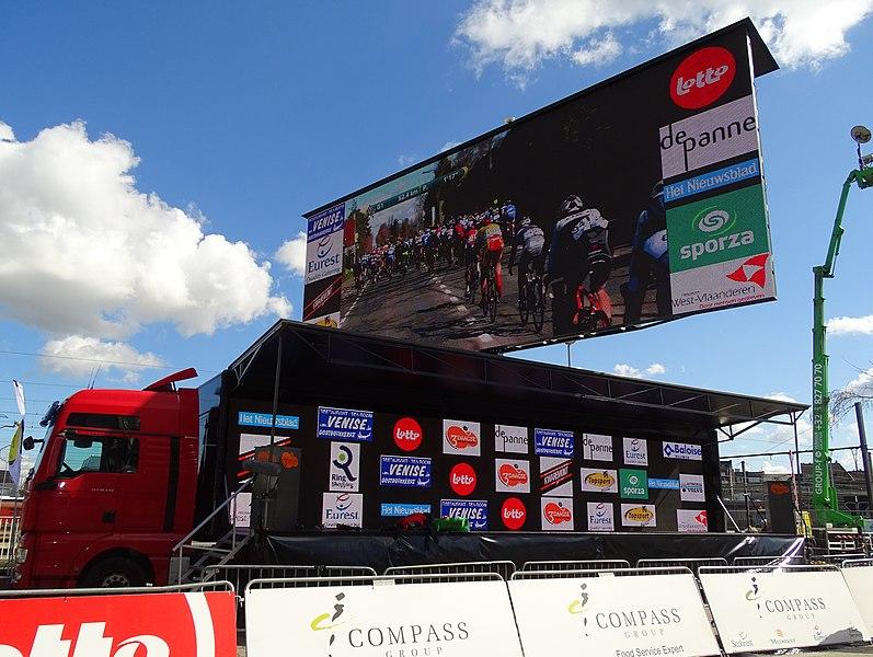 Reportage réalisé le mardi 31 mars à l'occasion de l'arrivée de la première étape des Trois jours de La Panne 2015 à Zottegem, Belgique.