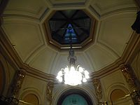 (1)Sydney Town Hall chandelier 010.jpg