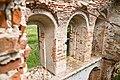 Церковь Владимирская (Рубежская) - фрагмент стены с окнами.jpg