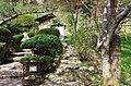 吉野温泉元湯の横の吉水神社への登り口 Footpath toward Yoshimizu-jinja 2014.4.12 - panoramio.jpg
