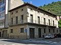 015 Casa Pujol, c. Progrés 25 - c. Ter 5 (Ripoll).jpg