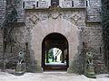 031 Castell de Santa Florentina (Canet de Mar), façana sud, porta dels Lleons.JPG