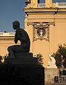 03 Dones i palau d'Alfons XIII.jpg