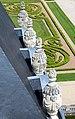 0 Vaux-le-Vicomte - Pots à feu du toit.JPG