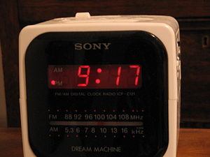 12-hour digital clock radio