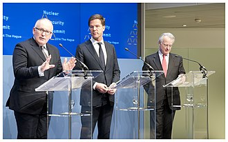 Jozias van Aartsen - Foreign Minister Frans Timmermans, Prime Minister Mark Rutte and The Hague Mayor Jozias van Aartsen, 2013