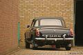 1965 MG B Roadster (15407278566).jpg