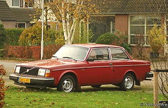 Volvo 200 Series - Euro-spec. 1979-1980 two-door sedan 242 DL (certain markets only)