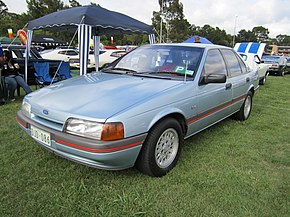 1988 Ford Falcon (EA) S sedan (2010-11-27).jpg
