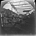 19 ноября. Чиназ. Томас Аллен с велосипедом на базаре.jpg
