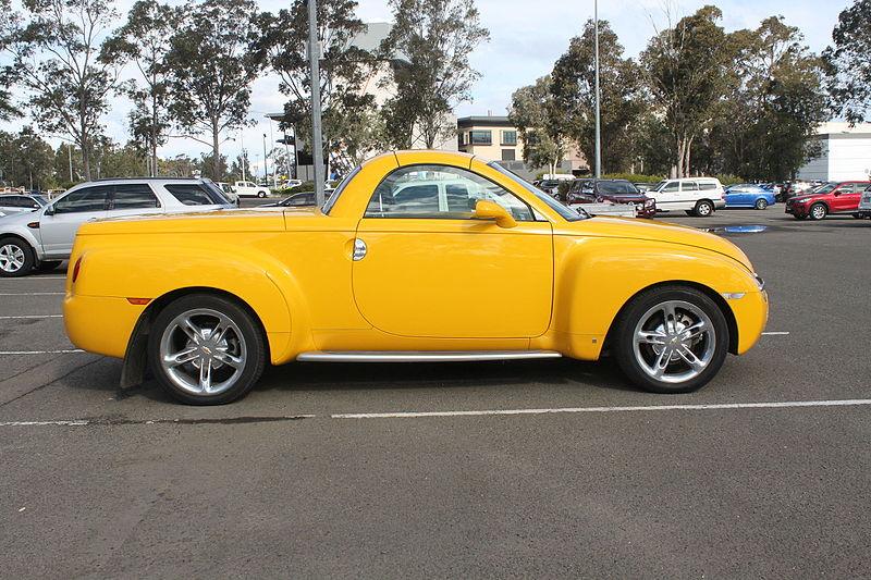 File:2006 Chevrolet SSR (20229816311).jpg