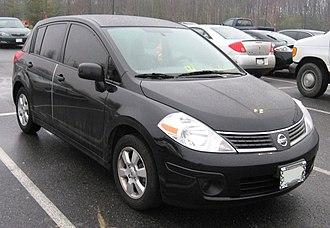 Nissan Versa - Image: 2007 Nissan Versa hatchback