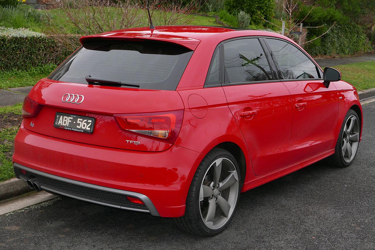 File:2013 Audi A1 (8X MY14) 1.4 TFSI Sport S line ...