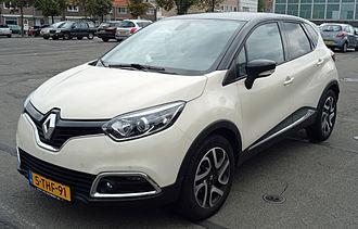 Renault Captur - Image: 2014 Renault Captur (14931859481)