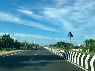 East Coast Road - Image: 2017 four lane state highway SH 49 Tamil Nadu India