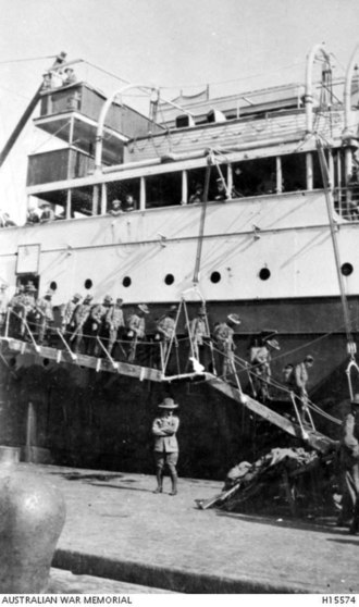 Harold Edward Elliott - The 7th Battalion disembarking in Egypt