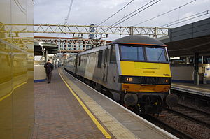 90008 at Stratford (1).jpg