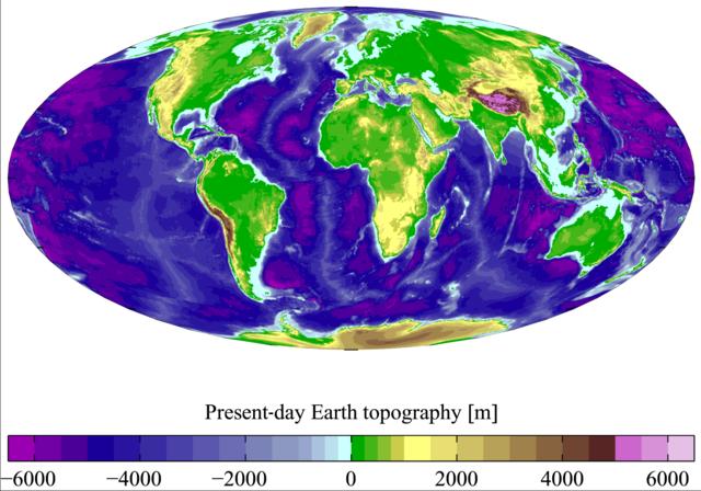 Mapa Zeme s farebne odlíšenými nadmorskými výškami a hĺbkami oceánov