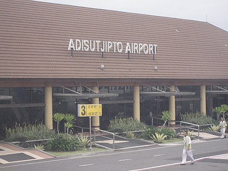 Lapangan Terbang Antarabangsa Adisucipto