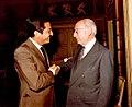 Adolfo Suárez recibe al alcalde de Madrid en el Palacio de la Moncloa. Pool Moncloa. 1 de julio de 1980.jpeg
