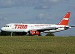 Airbus A320-232, TAM AN1025915.jpg