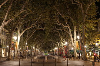 Cours Mirabeau - The Cours Mirabeau in Aix-en-Provence at night
