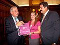 Alcalde Miami visita parlamento peruano (6881637236).jpg