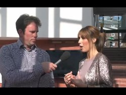 Delwedd:Alex Jones presenter talking in Welsh.webm