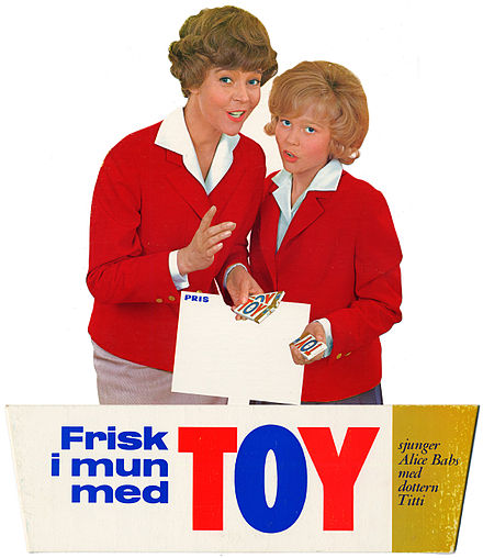 Alice Babs and daughter Titti Sjoblom in an advertisement for Toy chewing gum, 1960 Alice Babs och Titti Sjoblom gor reklam for Toy tuggummi.jpg