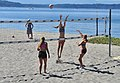 Alki - beach volleyball 03 (cropped).jpg