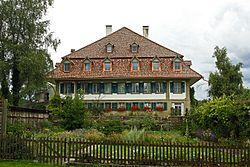 Allmendingen bei Bern, Herrenbauernhaus Front.jpg