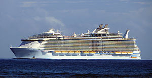 MS Allure of the Seas - Image: Allure of the Seas (ship, 2009) 001