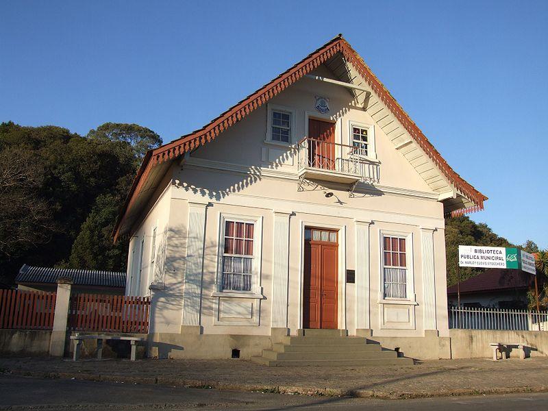Ficheiro:Almirante Tamandaré Municipal Public Library.JPG