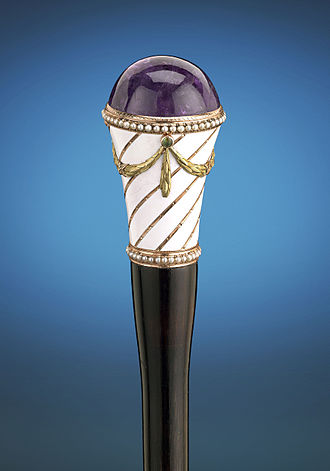 House of Fabergé - Purple amethyst cane handle by Fabergé with white enamel, rose and yellow gold, and a string of pearls. Circa 1890–1898