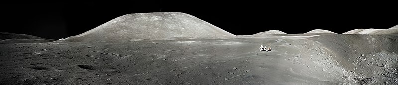 File:An Astronaut's Snapshot of the Moon.jpg