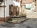 Ancienne fontaine dans le village.jpg