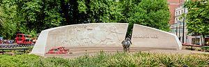 Animals in War Memorial - Image: Animals in War Memorial, Hyde Park, London