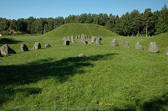 Anundshög - Anundshög with the two ship settings in front, June 2006