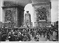 Arc de Triomphe de l'Etoile - Le cénotaphe aux morts placé sous l'Arc de Triomphe - Paris 08 - Médiathèque de l'architecture et du patrimoine - APZ0008288.jpg